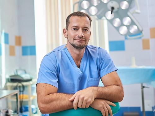 Пластический хирург - Майский И. А.