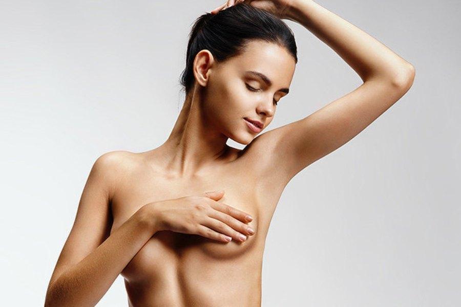 Увеличение груди и месячные